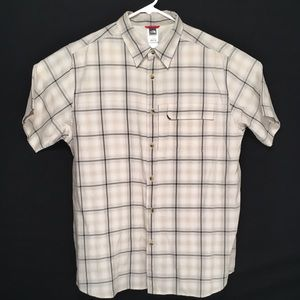 The North Face mens short sleeve button up shirt L